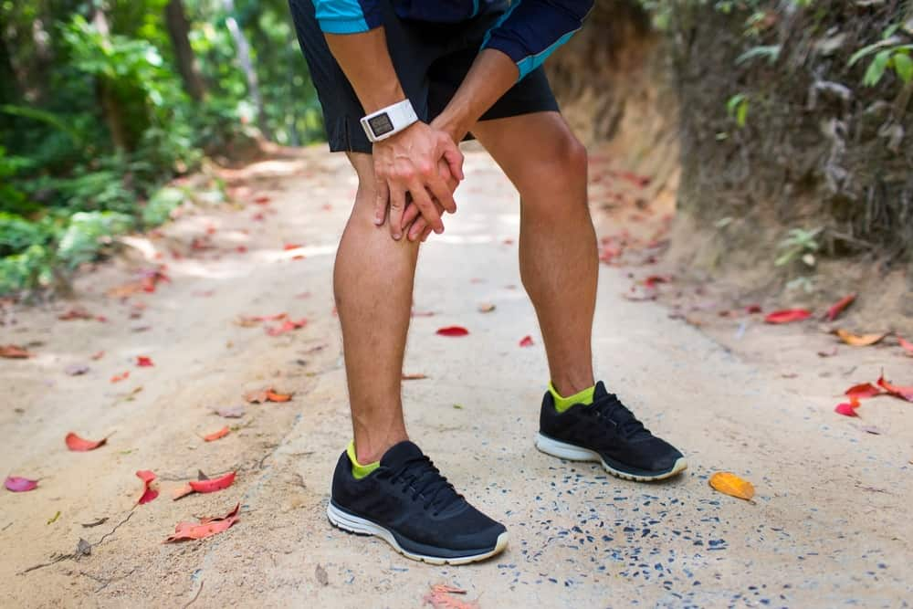 how to hike with bad knees