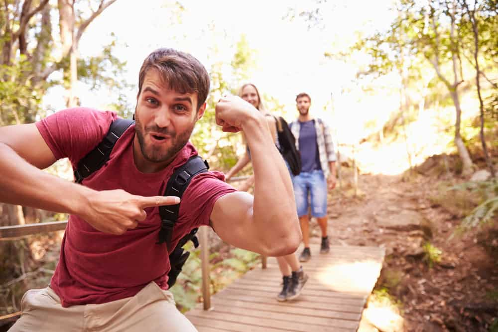 does hiking build muscle