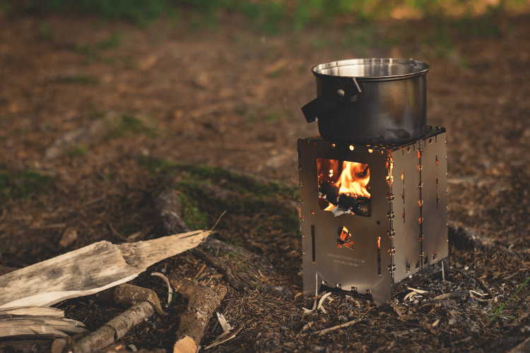 camping stove for cooking food