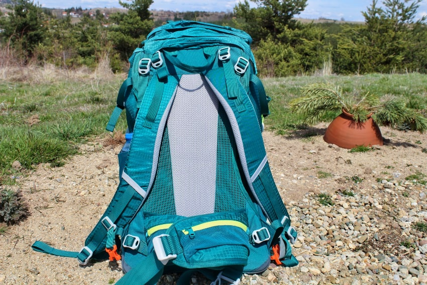 the back panel of the nevo rhino 50 l pack
